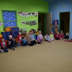Tančíme a hrajeme na flétnu dětem